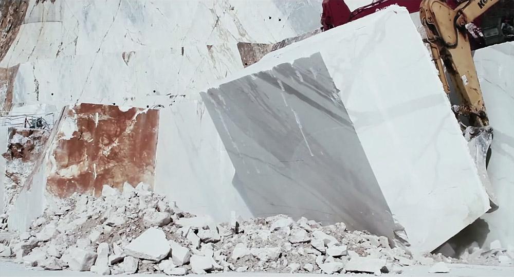 Искусственный камень в интерьере